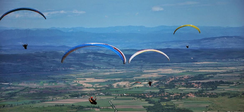 Clopotiva siklóernyős verseny